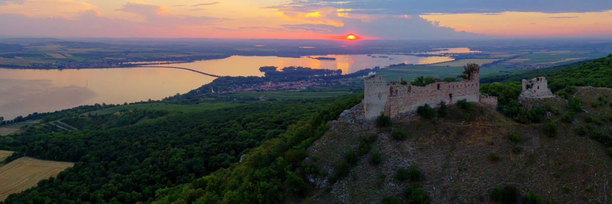 Zřícenina gotického hradu Děvičky