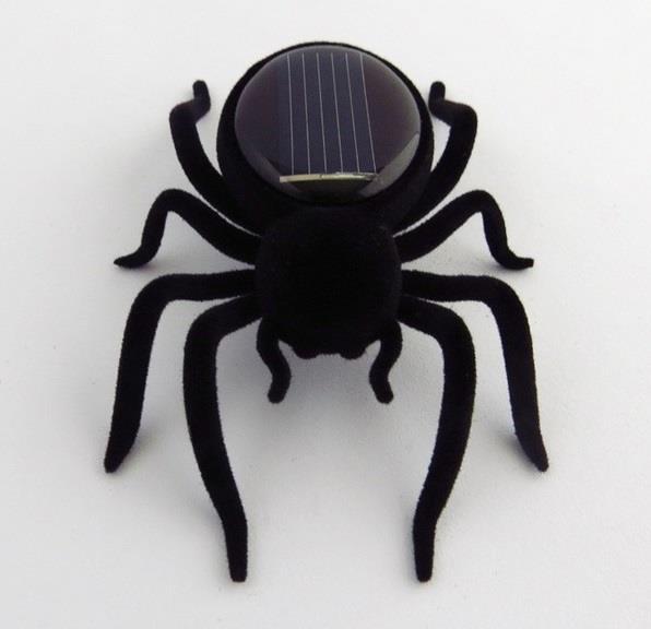 Solární robotický pavouk
