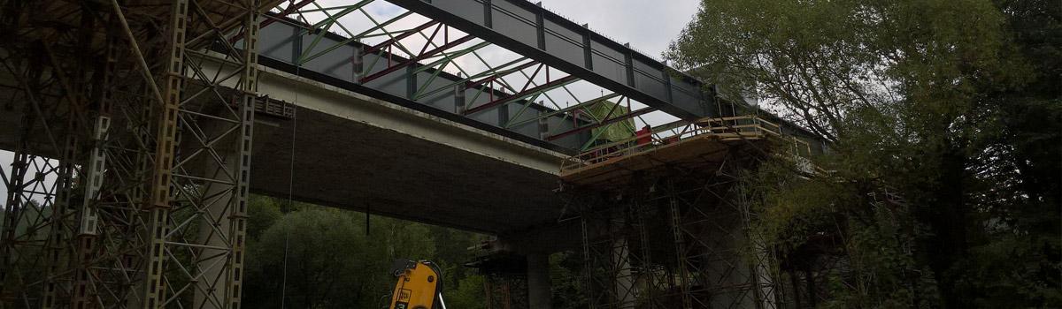Servis svařovacího zdroje TPS5000 na mostě dálnice D1.